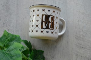 Valentines Gifts under $25 - love mug
